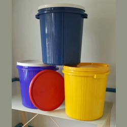 Bucket with Air Sealed Lid